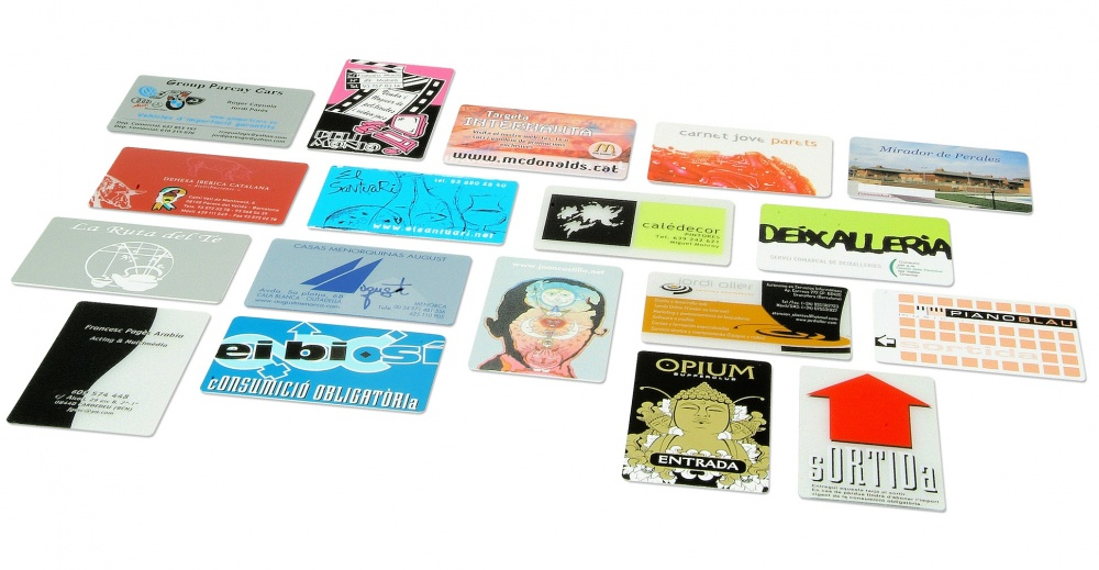 PERSONALIZED PLASTIC CARDS